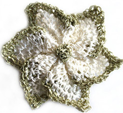 crochet-flower-brooch